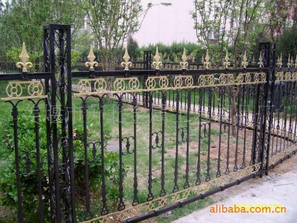 铁艺围栏_欧式铁艺防护围栏