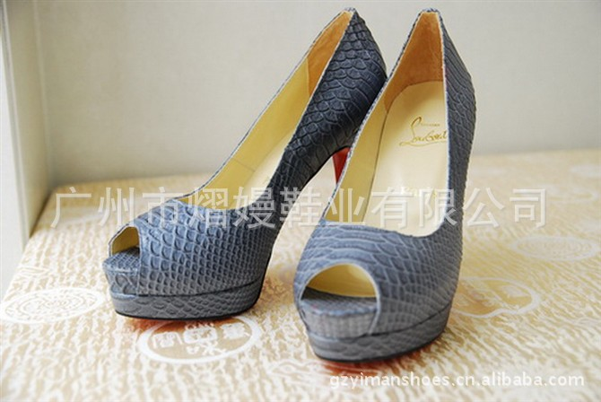 布鞋 鞋 鞋子 670_448