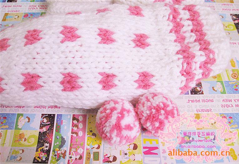 供应2014新款韩版手工编织波点糖果毛球保暖手套,白色款