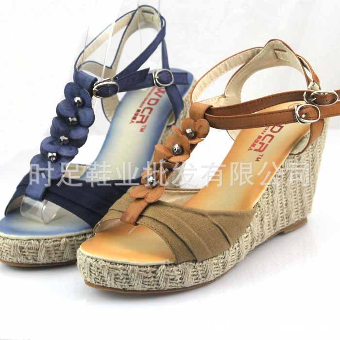 1夏季新款花朵坡跟女式凉鞋 高跟鞋